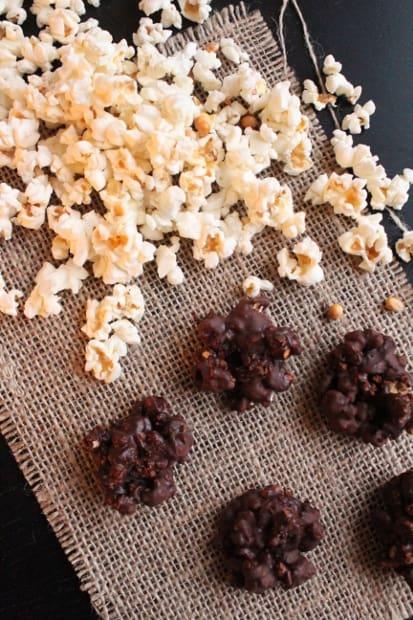 Popcornin, karpalon, suklaan ja chilin liitto.
