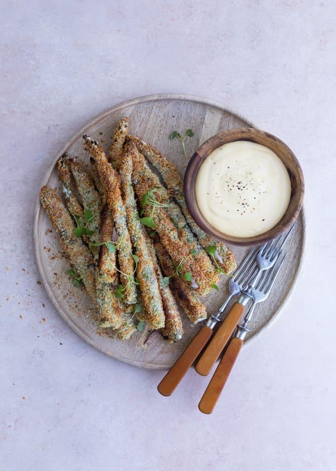 parsareseptejä, parsaranskalaiset, parsa, vihreä parsa, holladaisekastike, taikinakirja