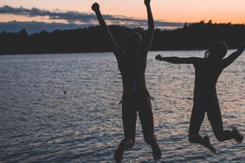 Hyppy kohti kesää.