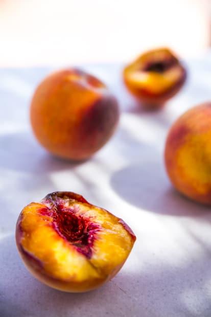 Ordalin persikkamarkkinat hedelmänhimoisille.