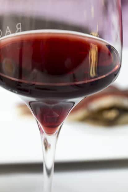 Pinot Noir ja laku? Kyllä!