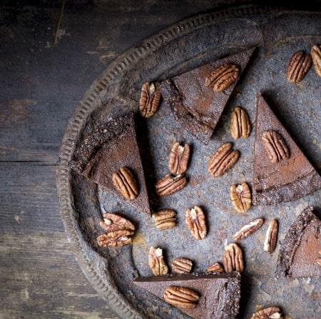 Suklaa-kauraraakakakku sai suuren suosion julkkareissa. Lempikakkuni!