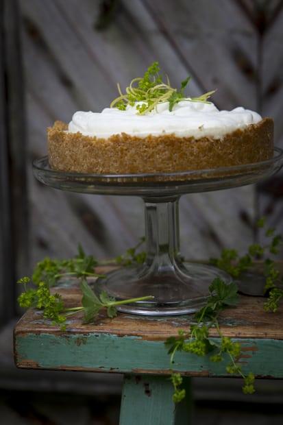 Pienen vuoan kakku on korkea ja kaunis.