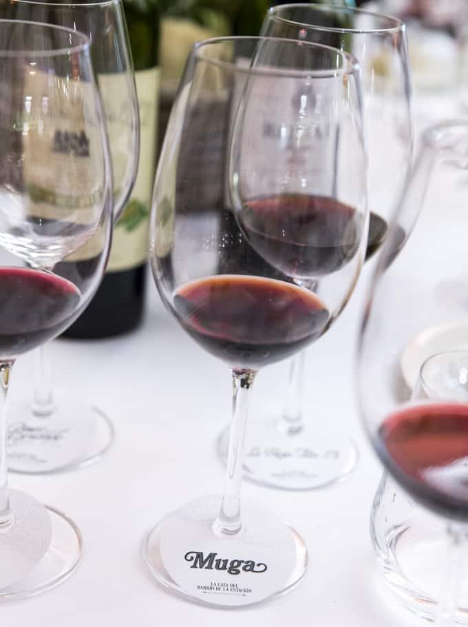 Muga liputtaa perinteisten Rioja-viinien puolesta.