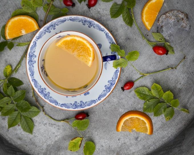 Lemon punch eli sitrusbolli on tämän joulun kuumin juoma.