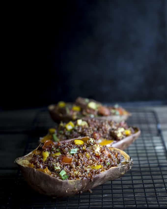 kvinoatäytteiset bataatit-7