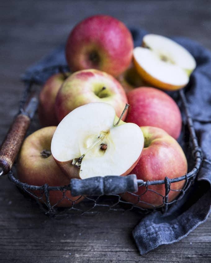An apple a day Mari Moilanen kopio
