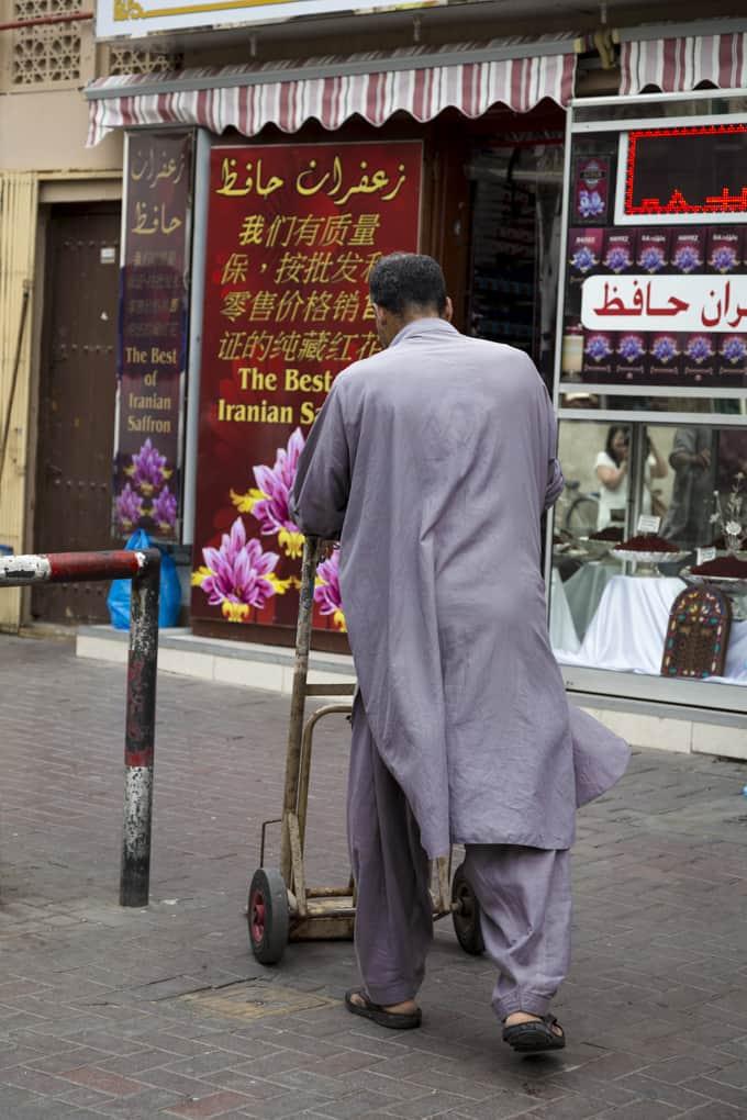 Vanhassa Dubaissa on kuhina päällä.