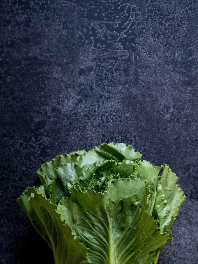 cosmopolitan-salaatti Mari Moilanen-10, cosmopolitan-salaatti, hallomi-salsarullat cosmopolitan-salaatista, cosmopolitan-salaattireseptejä, salaatireseptejä, kesäruokaa, salaatti grillistä, grillaus, grilliruokaa