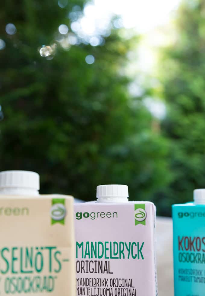 go green juomia Mari Moilanen-37, maidottomia juomia, pähkinätee, hasselpähkinäjuoma, mantelimaitojuomia, mustikkajuoma, persikka-kookosjuoma,kylmiä maitojuomia, kookosmaitojuomia