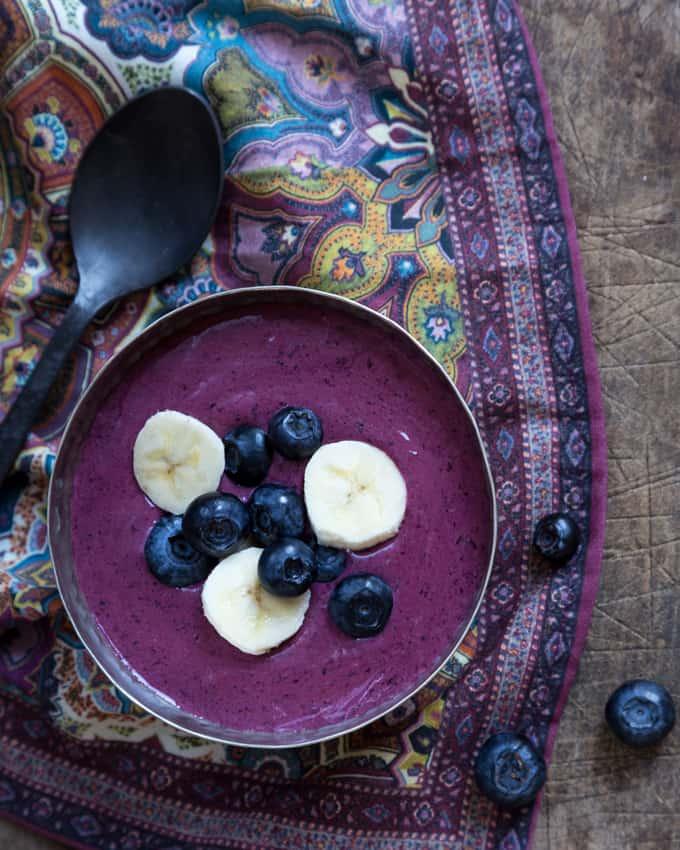 mustikka-tattaripuuro_, puuro tattarijauhoista, gluteeniton puuro, gluteeniton aamiainen, gluteenittomia herkkuja, mustikkapuuro, tattarireseptejä