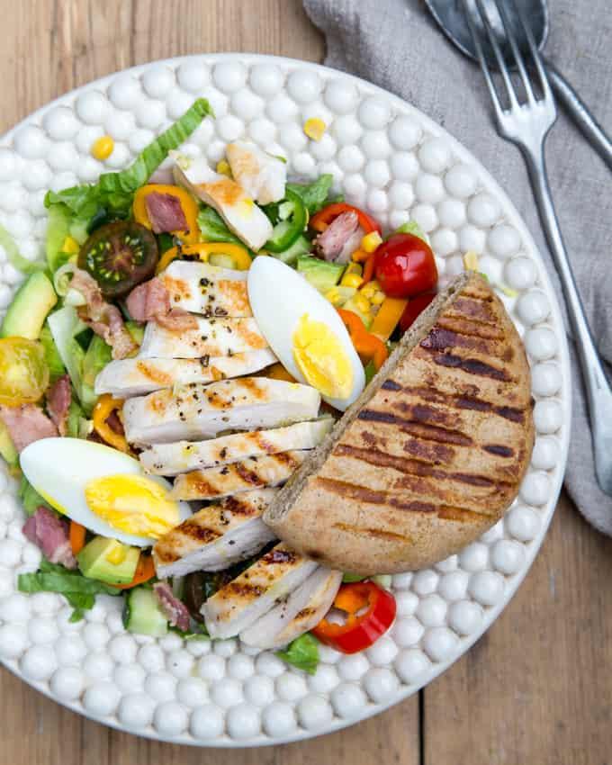 cobb-salad Mari Moilanen, kesäsalaatti, cobb-salaatti, salaatti grillistä, grilli salaatti, salaattireseptejä, kanasalaatti, pekonisalaatti