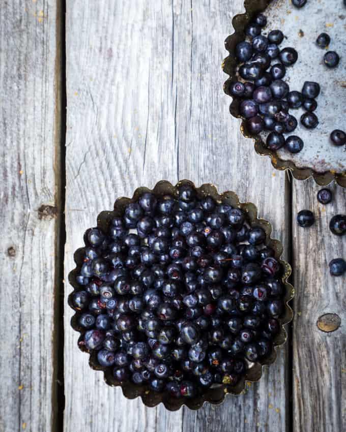 mustikkapiirakka Mari Moilanen-16, mustikkapiirakka, tuoremustiikkapiirakka, mustikkapiirakka vaniljatäytteellä, mustikkapiirakkareseptejä, aivan paras mustikkapiirakka, mustikkareseptejä, murotaikinaohje, murotaikinapohja mustikkapiirakkaan