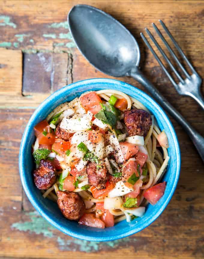 tomaattipasta Mari Moilanen-2-2, tomaattipasta, tuoretomaattipasta, kesäruokaa, kesäpasta, tomaattireseptejä