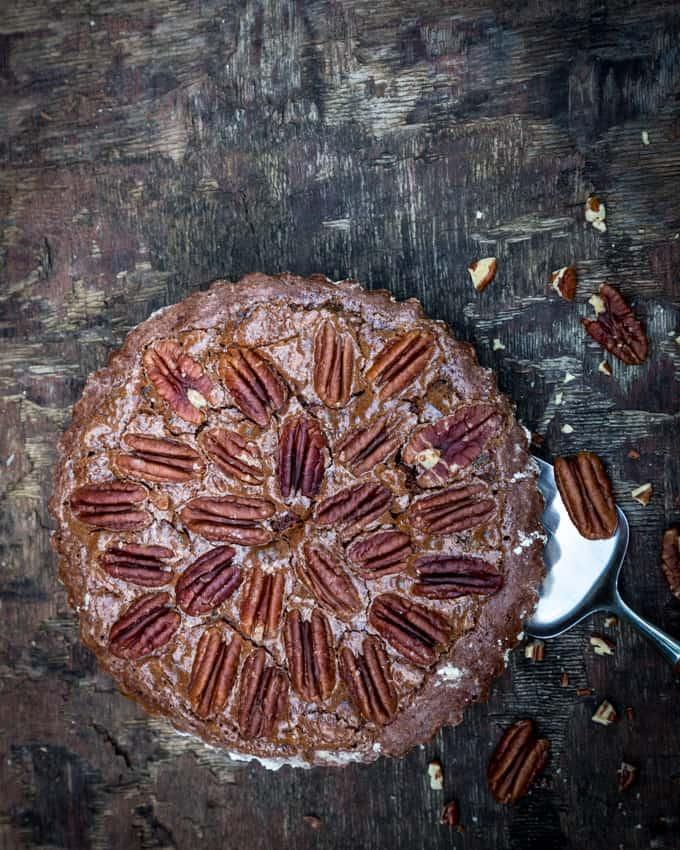 suklainen-pekaanipahkinapiirakka-mari-moilanen-5, suklaa-pekaanipiirakka, pekaanipähkinäpiirakkaohje, ihana piirakka, suklaapiirakka