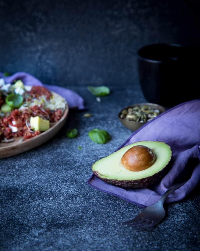 punajuurellä värjätty kvinoa, kvinoareseptejä, kvinoan idättäminen, kvinoasalaatti, punajuuri-vuohenjuusto-kvinoasalaatti, risella kvinoa, yhteistyö