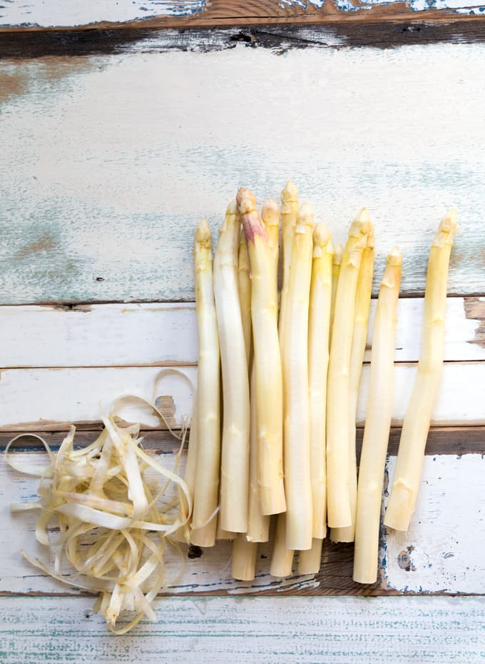 grillattu valkoinen parsa, parsareseptejä, parsan grillaaminen, parsan valmistus, valkoinen parsa