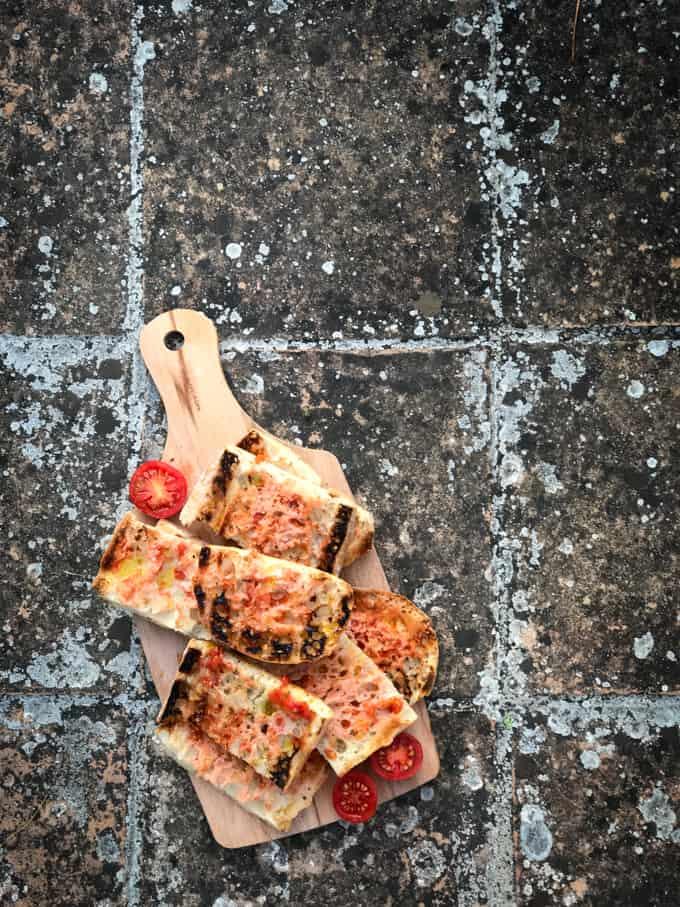 katalonialainen tomaatileipä, pan con tomate, pan amb tomaquet, tapas, tapasvinkkejä