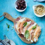 meloni-parmankinkkusalaatti, salaatti noutopöytään, kevätjuhlatarjoilut, kevätjuhlatarjoiluvinkkejä, kinkkusalaatti, meloni