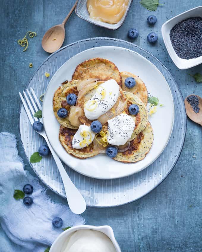 unikonsiemen-sitruunapannukakut, unikonsiemen-sitruunaletutu, aamiaispannukakut, aamiaisletut, sitruunaletut