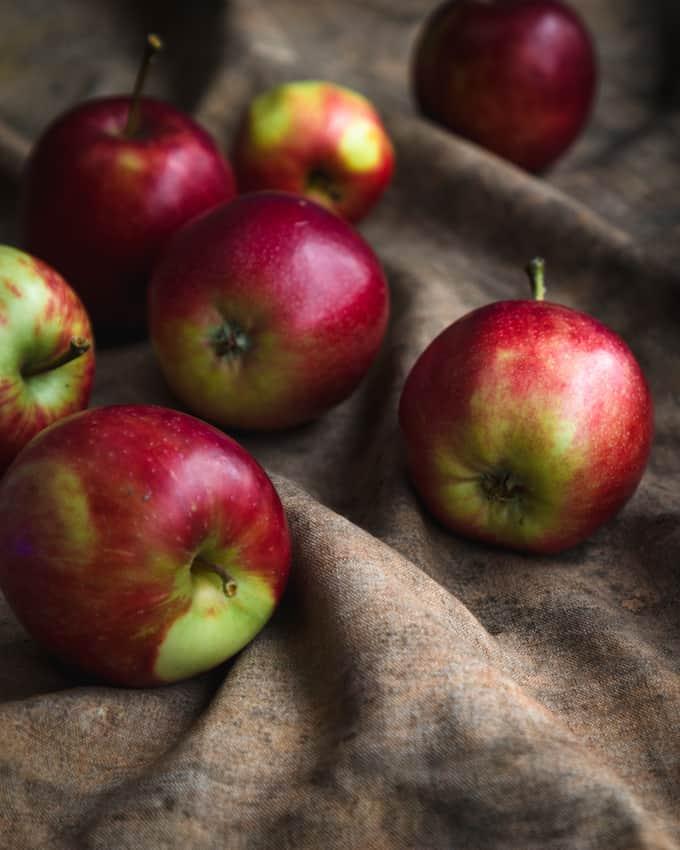 sahramilla aateloitu omenaglögi, omenaglögiresepti, glögireseptejä, joulujuomia, vaalea glögiresepti, joulureseptejä, jotain maukasta joulukalenteri 2017