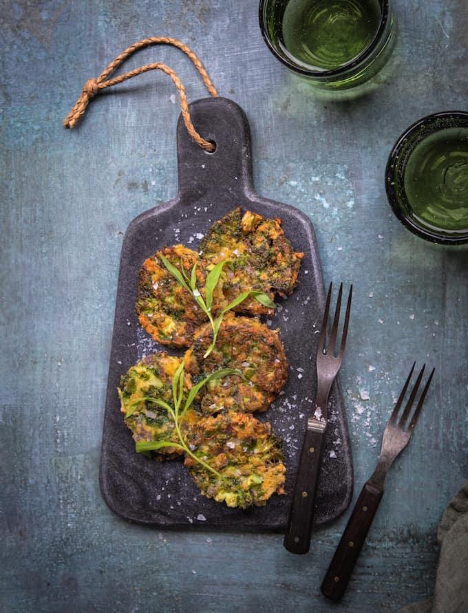 parsakaalifritterit, kasvisruoka, parsakaalireseptejä