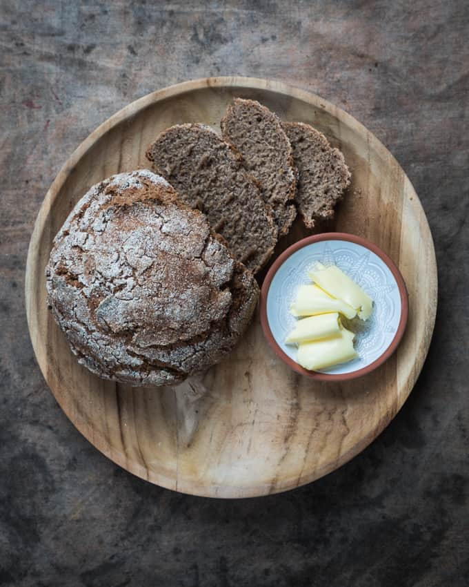 juurileipä, juureen leivottu ruislimppu, taikinajuuri, juurileipäkurssit