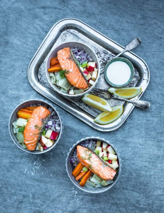 lohi bowl, paistettua lohta kulhossa, kulhoruoka, kulhoruoka kalasta,