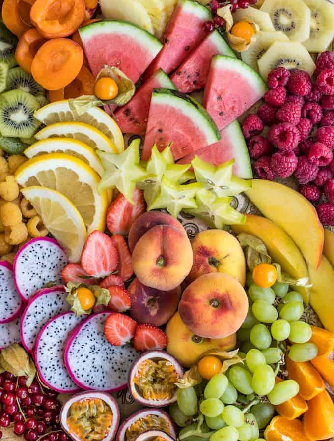 hedelmätarjotin, kevätjuhlatarjottavaa