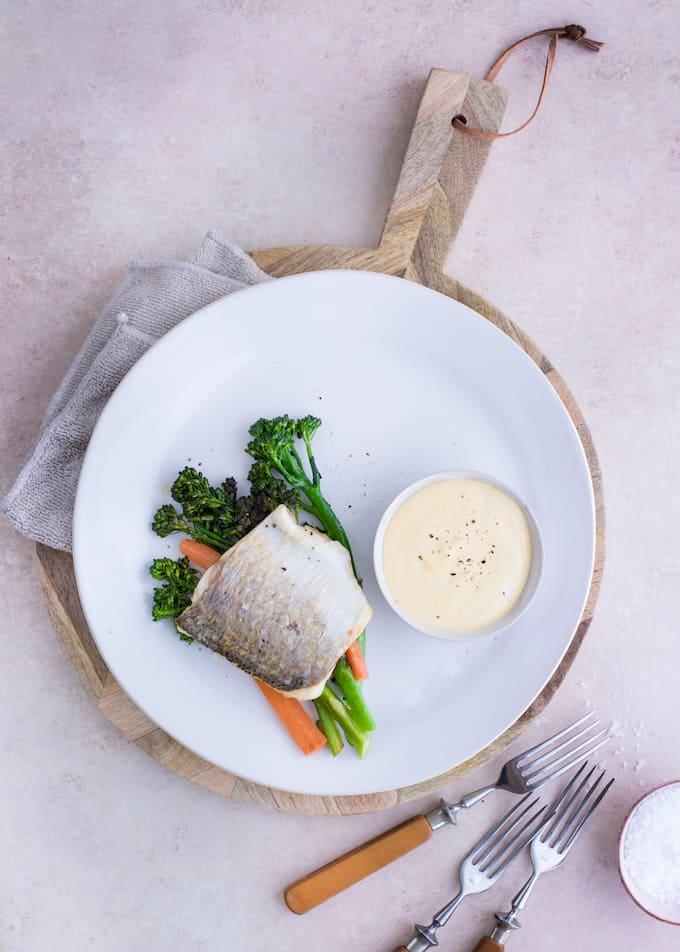 paistettua siikaa, paistettu siika ja broccoliini-porkkanalisuke, äitienpäivämenu, ruokia äitienpäiväksi, vinkkejä äitienpäiväksi, äitienpäivä