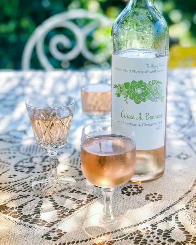 the happy hamlet, viini & ruokaretriitti, matka ranskan maaseudulle