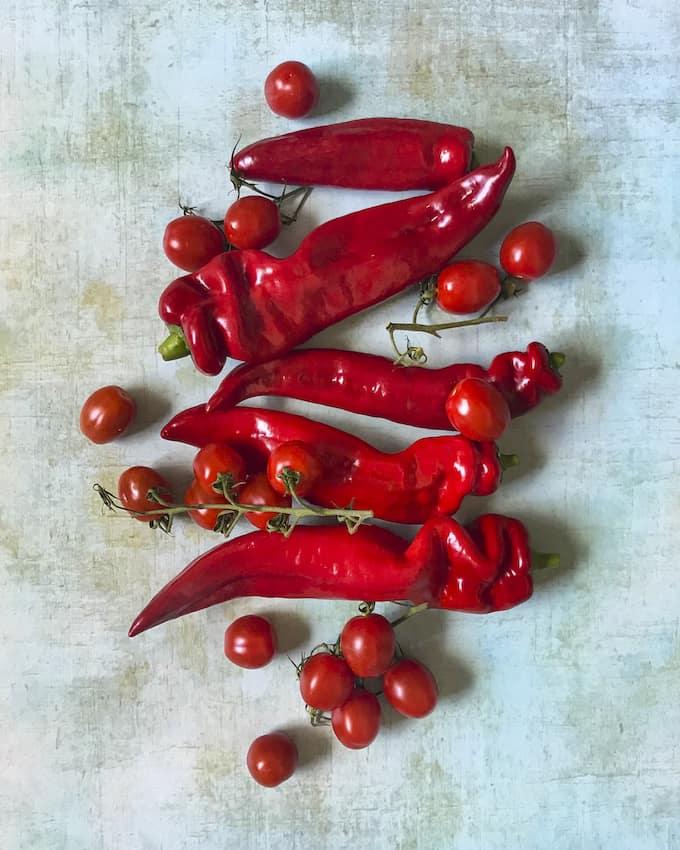 tomaattimopo ja muita ruokakuvia -näyttely, kännykkäkuvanäyttely, le petit chaperon rouge, ruokakuvia kännykällä, ruokakuvaus, kännykkäkuvaus