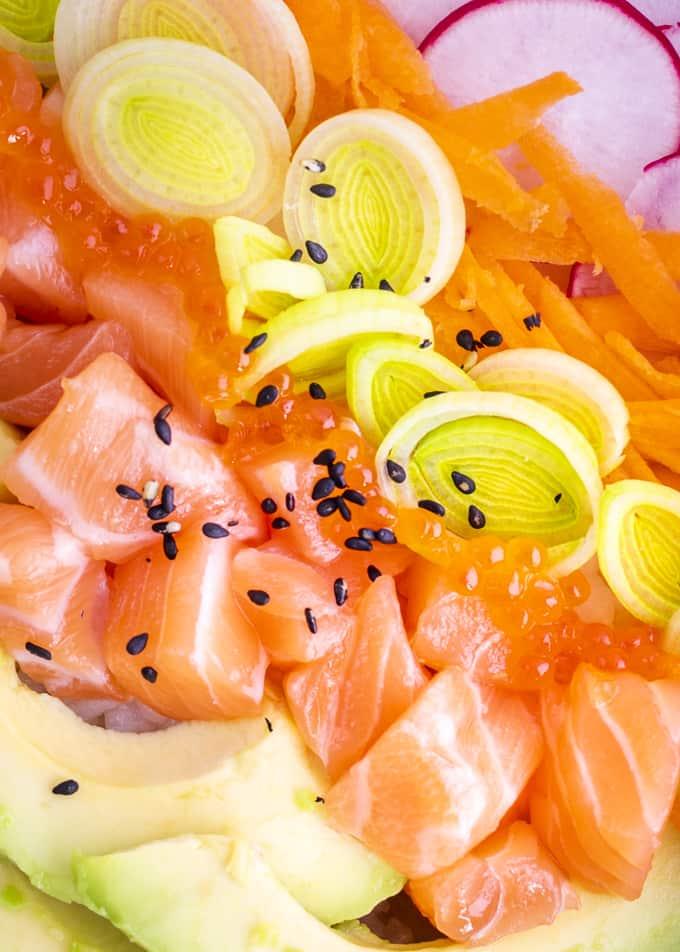 sushi bowl, lohi sushi bowl, kulhoruoka