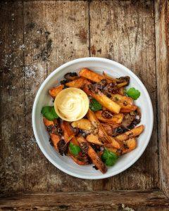 tryffeliranskalaiset, prunakirja, kotitekoiset ranskanperunat, maalaisranskalaiset, ranskalaisten valmistaminen