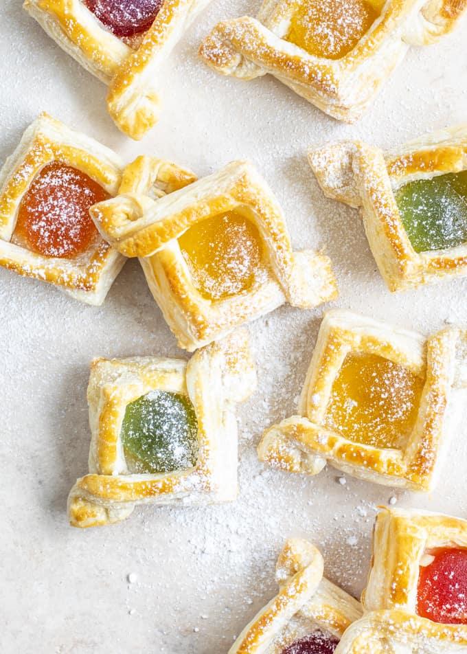 Finlandia-joulutortut, Finlandia-marmeladijoulutortut, joulutortut solmu, joulutorttujen leipominen, vihreä kuula joulutortut, marmeladijoulutortut