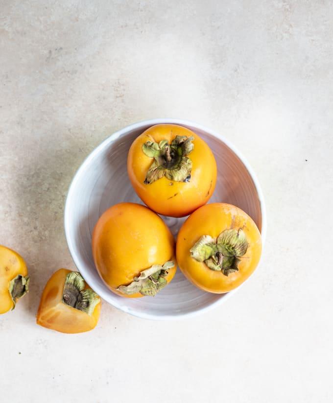 persimonreseptejä, persomon-vuohenjuustocrostinit, persimonhillo, mitä tehdä persimonista