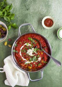 tomaatti-oliivikastike, tomaattikastike pastalle,