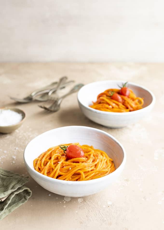 pancettapasta, pekoni-tomaattipasta, tomaattinen pasta, dal cero