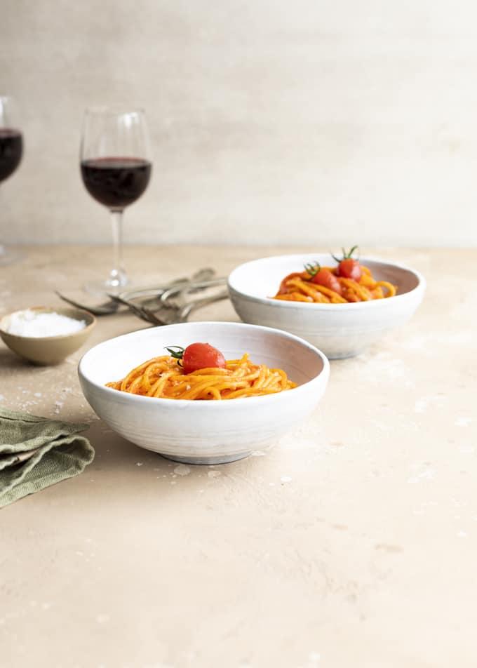 pancettapasta, pekoni-tomaattipasta, helppo pasta, dal cero, cortonan viinialue