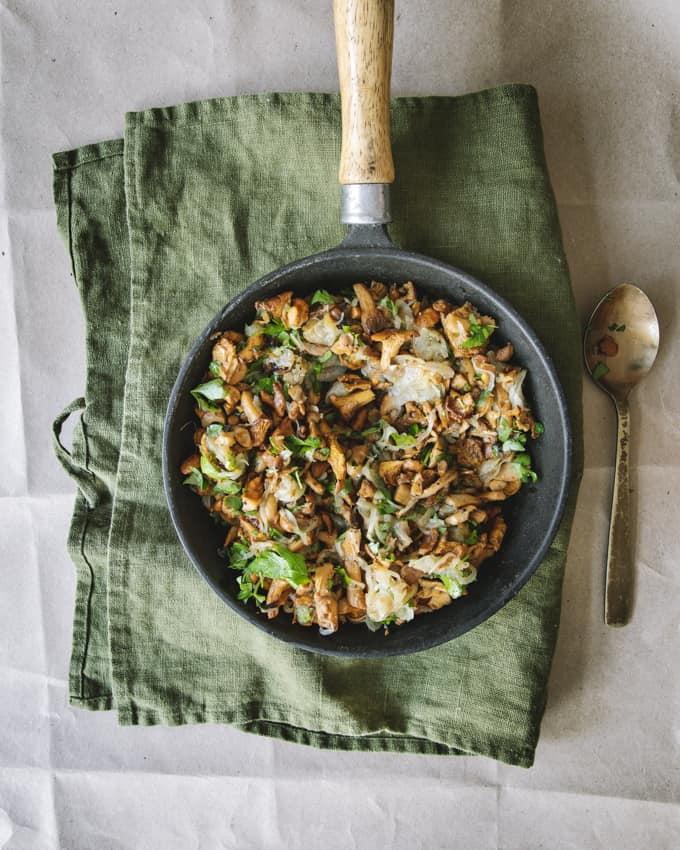 kantarellikastike, kanttarellikastike, kermaton sienikastike, kermaton kantarellikastike