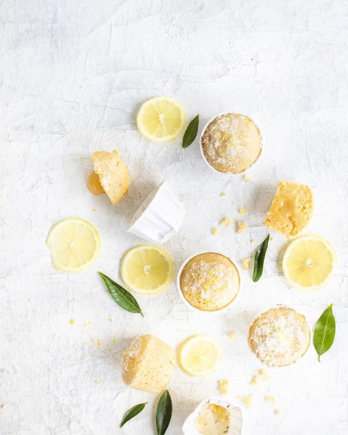 sitruunamuffinssit, muffinssit lemon curdilla