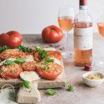 Zenato bardolino chiaretto, lämmin tomaatti-mnozzarellasalaatti, hyvä roseeviini ruoan kanssa