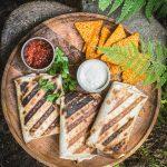 grillatut halloumi-ananaswrapit, hallomiwrap, wrap grillissä, helppoa kesäruokaa, meksikolaista kesäruokaa